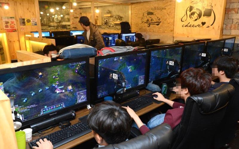 未成年孩子沉迷网游游戏充值花掉父母积蓄,能要回来吗?